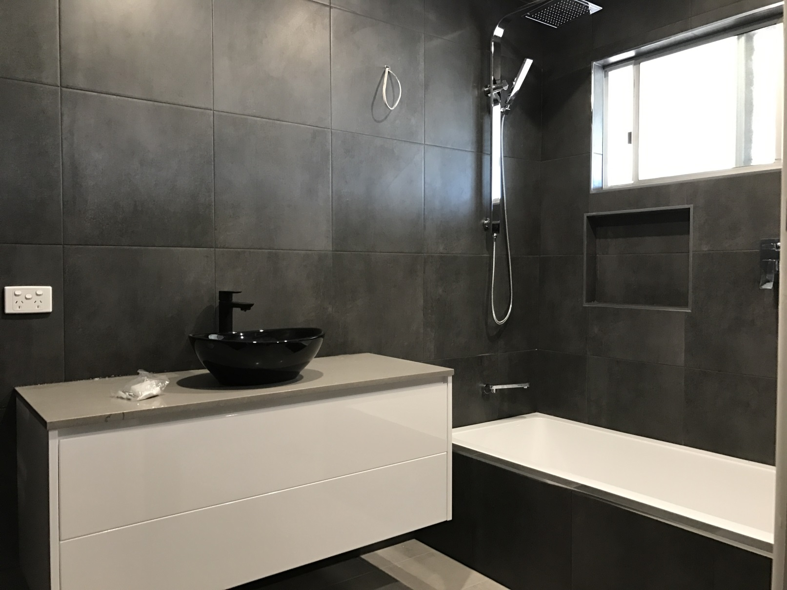 Arana hills brisbane bathroom renovations 2 1 bathroom for Lifestyle bathroom renovations