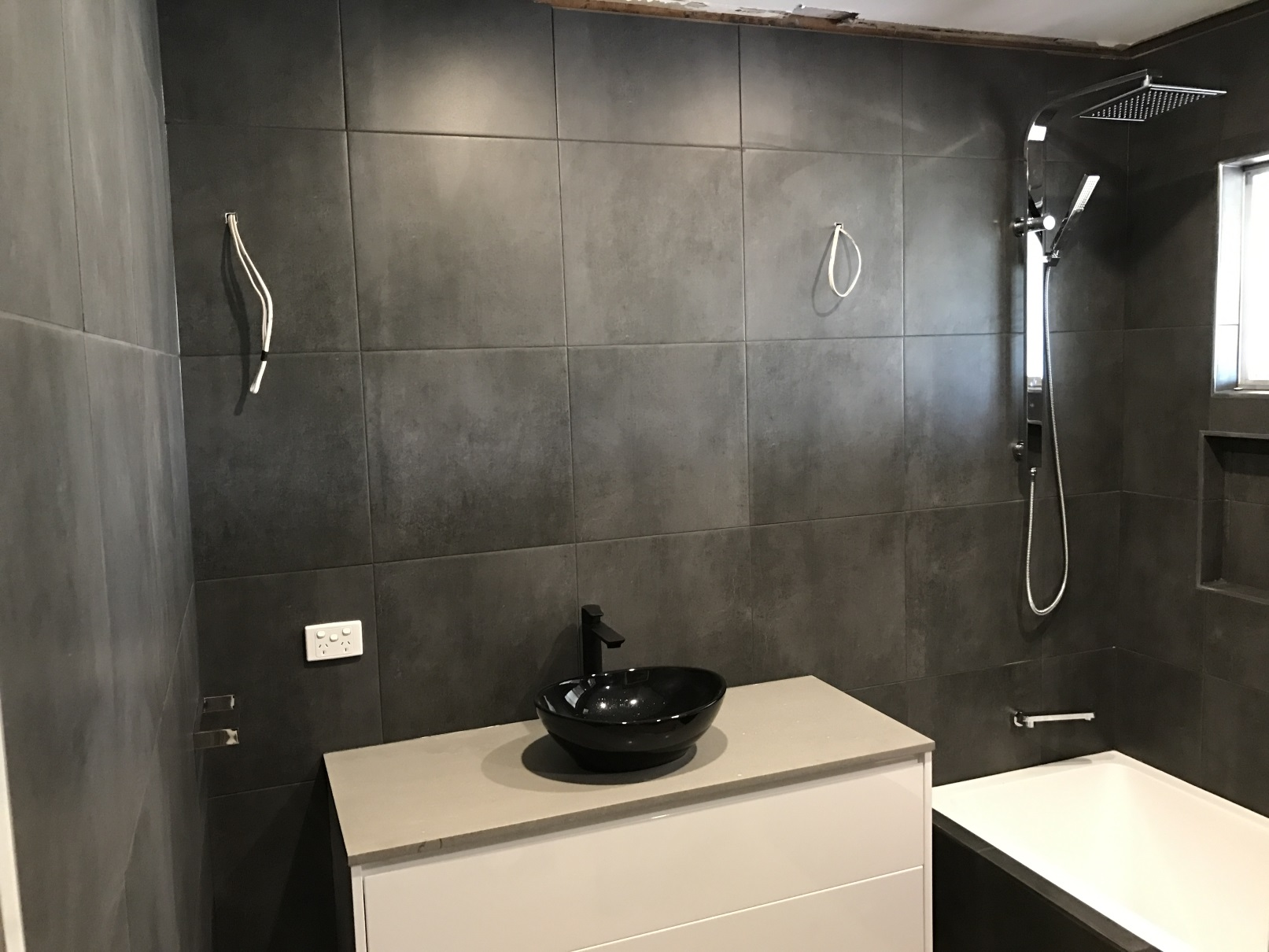 Arana hills brisbane bathroom renovations 5 1 bathroom for Lifestyle bathroom renovations