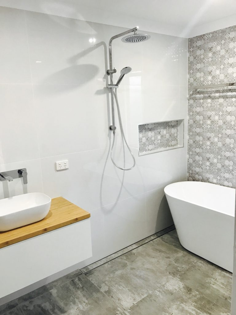 Coorparoo bathroom renovations brisbane 1 bathroom for Lifestyle bathroom renovations