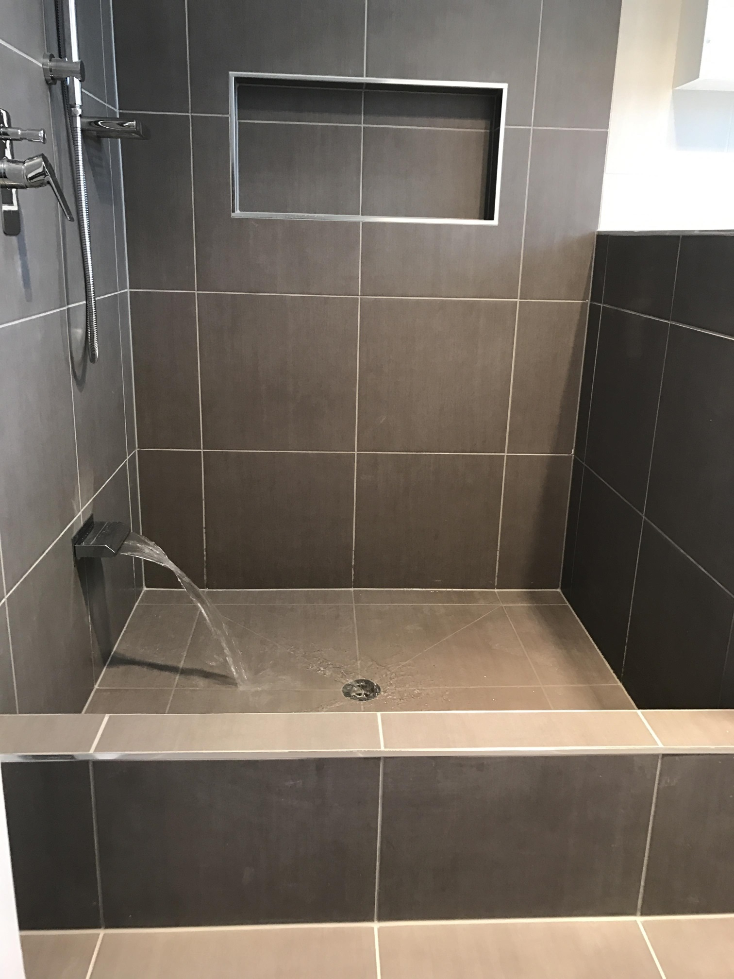 Geebung bathroom renovations brisbane 3 1 bathroom for Lifestyle bathroom renovations